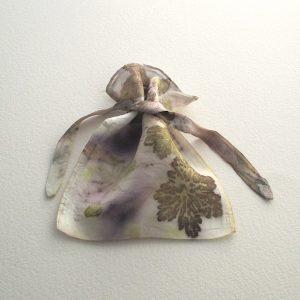 Impressions botaniques, ecoprint, soie, accessoire, Coloratura